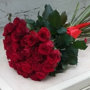 send bestseller flowers Ukraine 1