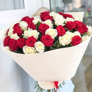 send mixed roses Ukraine 2